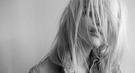SKY FERREIRA – Everything Is Embarrassing (Twin Shadow Remix)